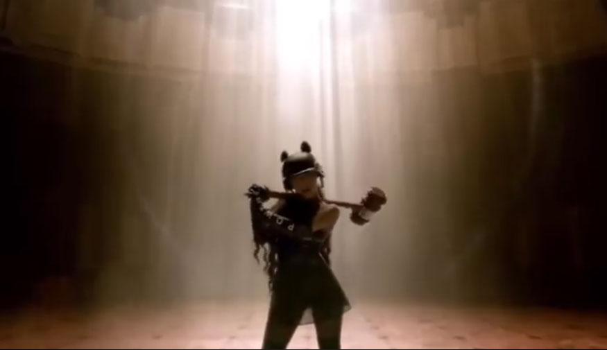 Madonna prête sa voix à Ariana Grande
