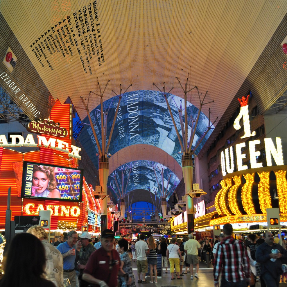 Freemont Street (Las Vegas) by Izzagar