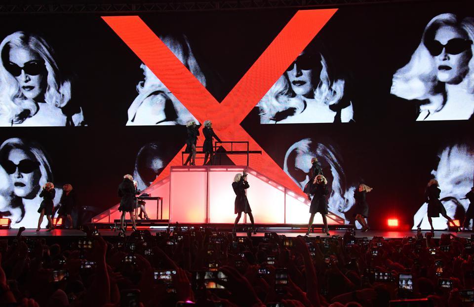 Madame X Tour sur Netflix
