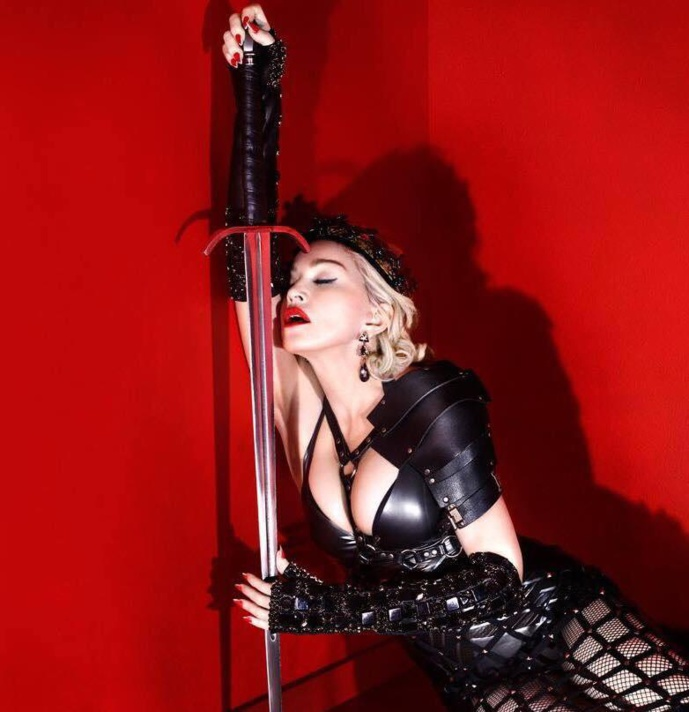 Madonna : Joan Of Arc Live at Ellen Show
