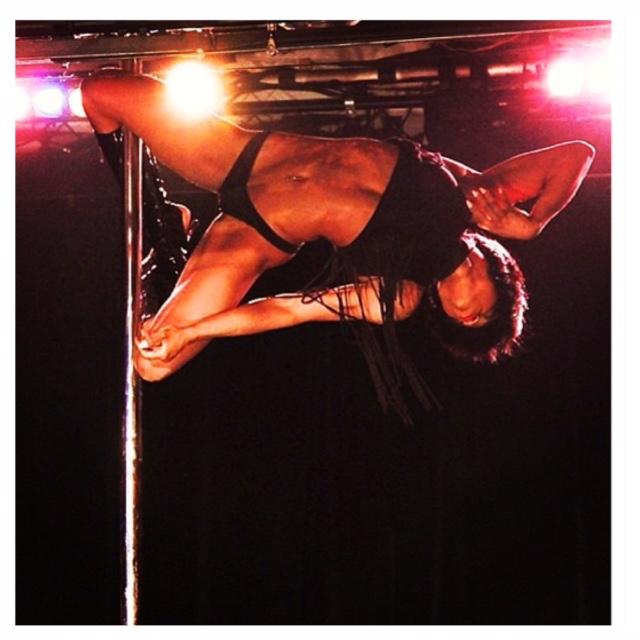 EXCLUSIVE INTERVIEW : MONA MARIE - CHOREGRAPHE DU REBEL HEART TOUR