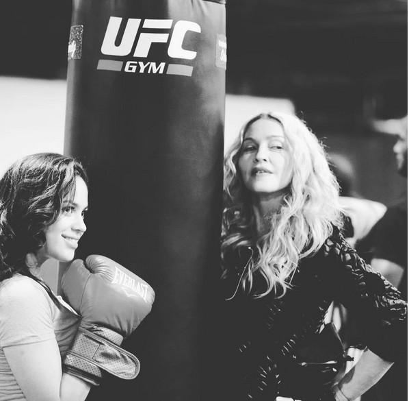 Don't Mess!!! Gurl Power👊🏻👊🏻👊🏻 at the Downtown Youth Boxing Gym‼️❤️#rebelhearts