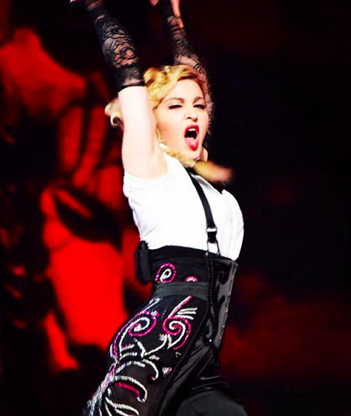 Flamenco till we die🔫🔫🔫🔫🔫‼️ thank you Cologne...........❤️#rebelhearttour