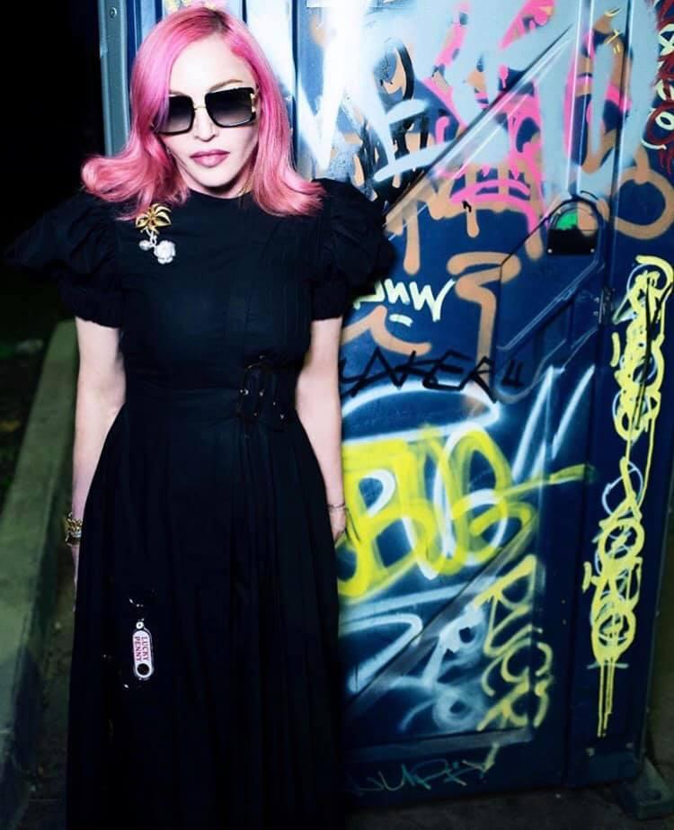 Le titre Ahlamalik feat Madonna