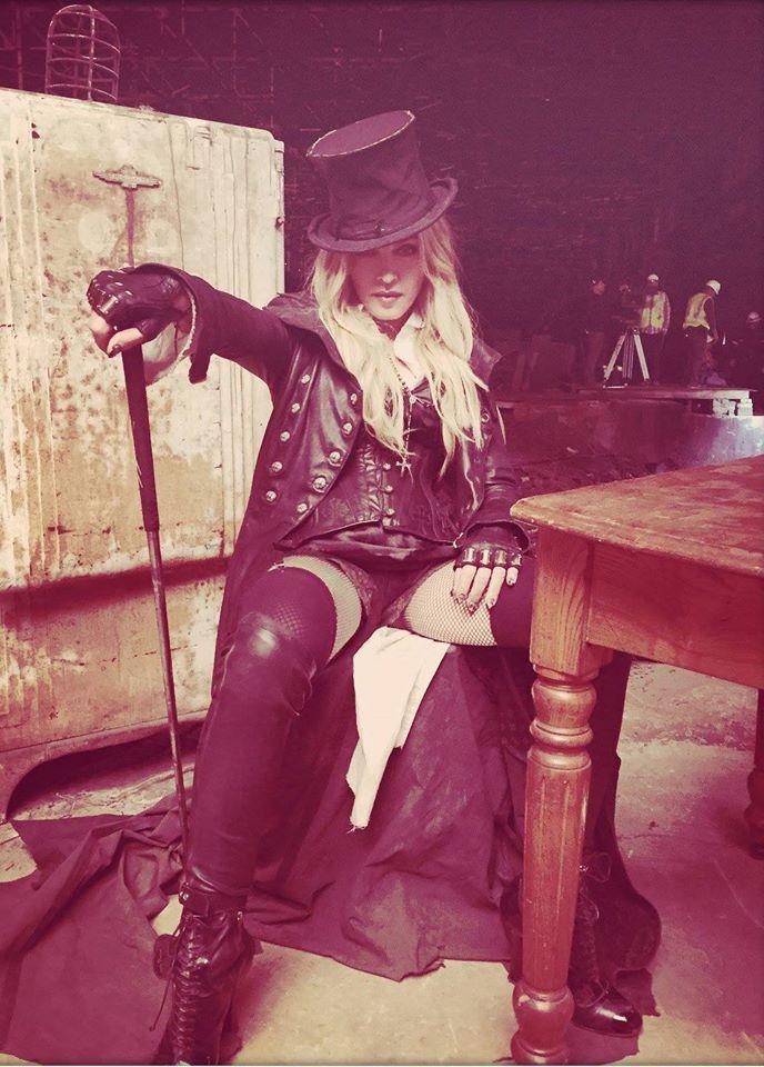 Le look de Madonna dans Ghosttown
