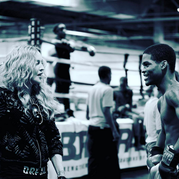 Downtown Youth Boxing Gym is the place to be!! Was so inspired by Cortez a young and talented Boxer hoping to go to the Olympics! If you want to help us with fundraising go to their web site for more info. #detroit ❤️#Rebel rebel-hearts