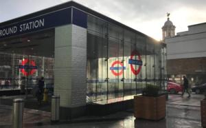 Izzagar team NOM est à Londres