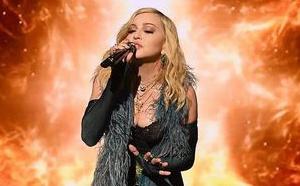 Madonna et 200 artistes sous les critiques