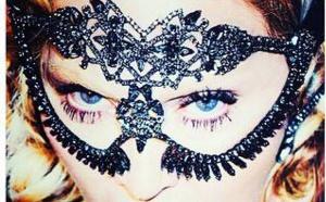 Madonna à la Une du magazine COSMOPOLITAN