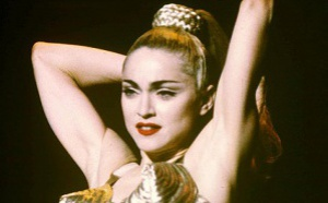 HAPPY BIRTHDAY BLOND AMBITION TOUR